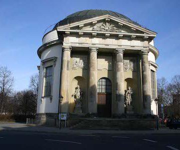 Potsdam_Franzoesische_Kirche_1600_450x300